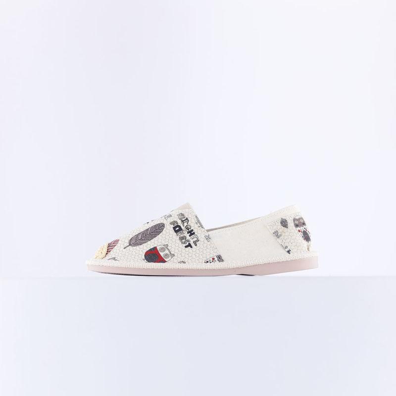تصویر از کفش طرح دار