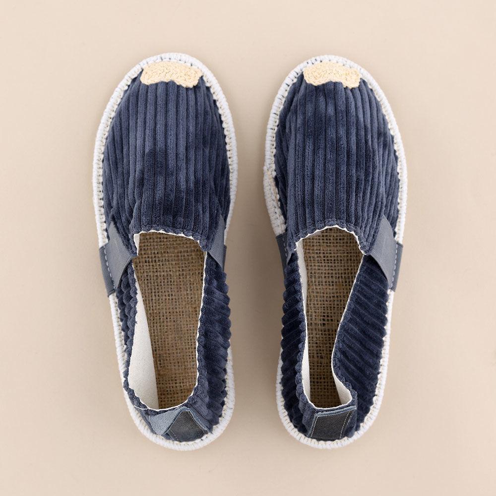 تصویر از کفش تخت کبریتی