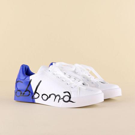 تصویر از کفش بندی دو رنگ