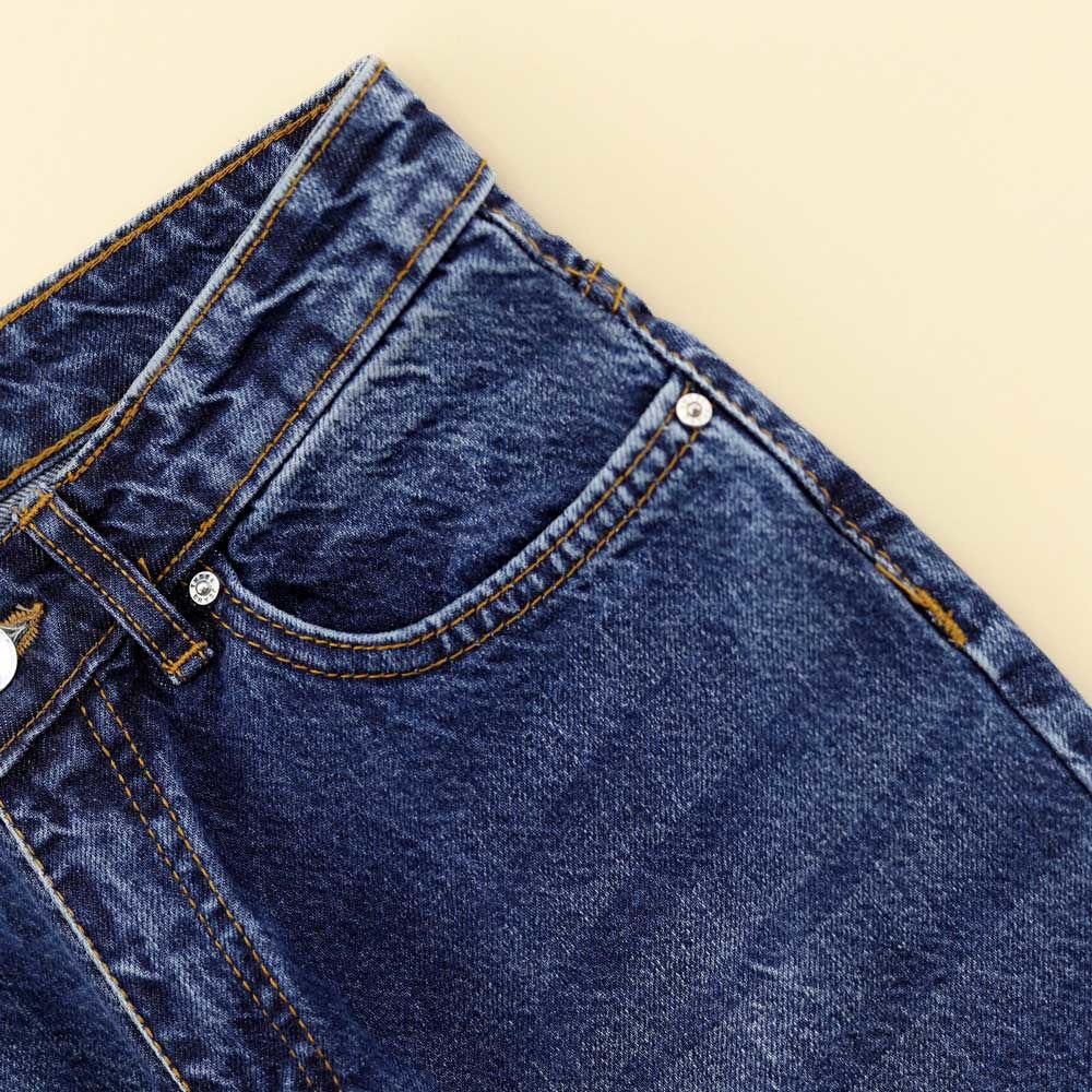 تصویر از شلوار جین مام تیره
